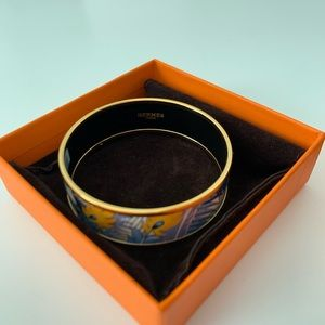Hermès printed bangle with gold plated hardware.